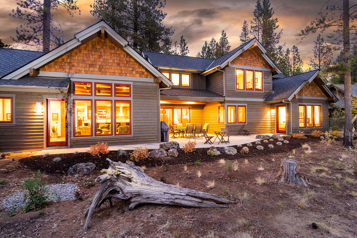 Northwest mountain lodge home custom design services for Home designers bend oregon